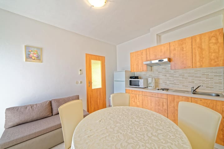 Apartments Klaudio / A2 Two bedrooms - Labin - Lägenhet