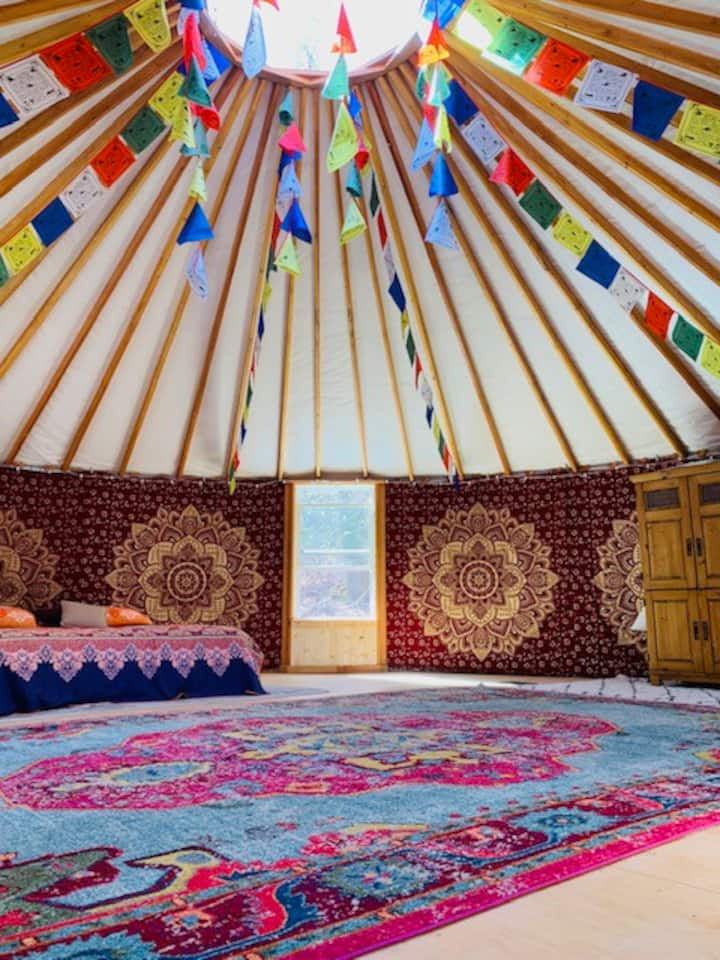 Luxury Yurt Palace @ Sugar Creek Sanctuary