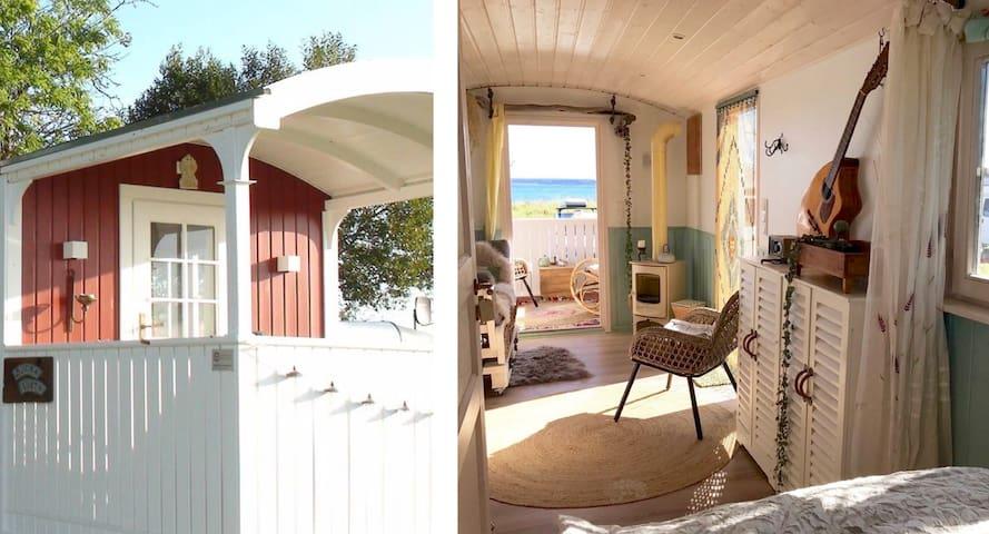 zirkuswagen tiny house mit meerblick kleine h user zur miete in waabs schleswig holstein. Black Bedroom Furniture Sets. Home Design Ideas