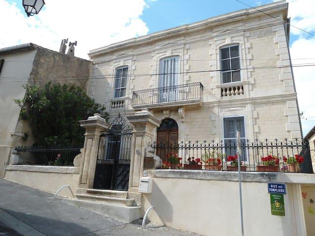 Couleurs de Camargue - Chambre La Provence
