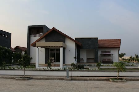 Prabhu Farms - Villa with modern amenities