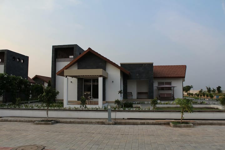 Prabhu Farms - Villa with modern amenities