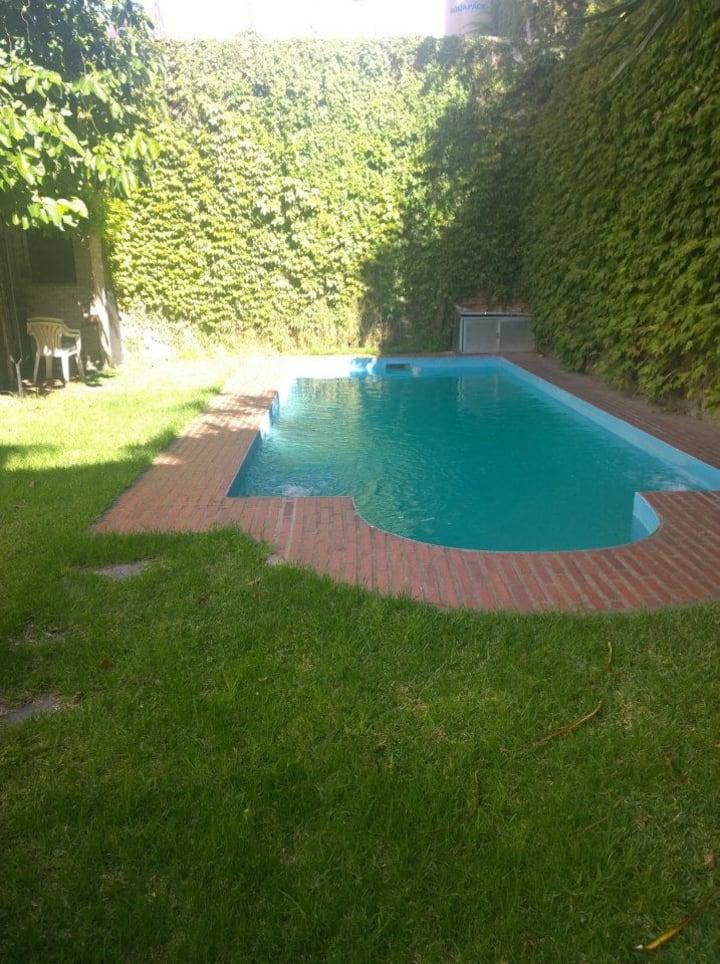 Increíble casa con jardín y piscina (Mafalda)