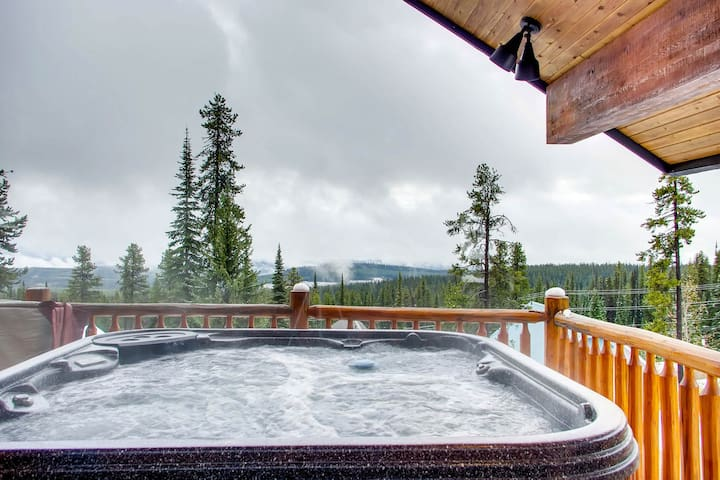 Newly refurbished chalet with private hot tub and ski-in/out access!