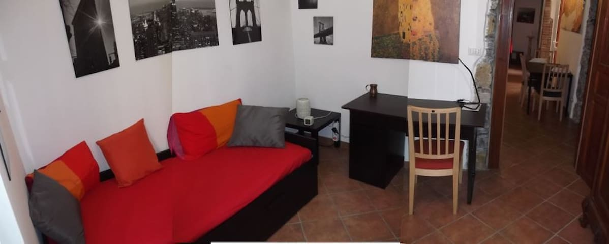 Room for 2, downtown, residential and quiet area