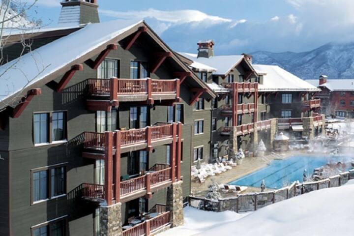3 Bedroom Ritz-Carlton Condo