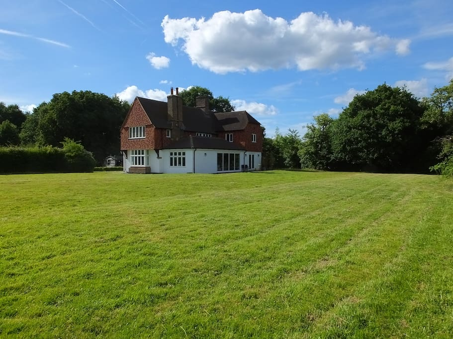 The house is concealed at the back of the 3 acre plot, over 500m from the road through the village...