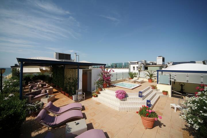 Lavish Apartment in Cattolica with Swimming Pool