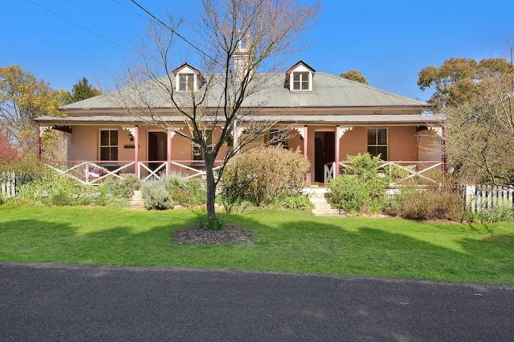 Larsen's Cottage 2