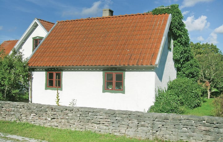 Beautiful home in Katthammarsvik with 2 Bedrooms