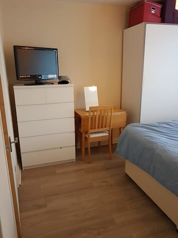 Bright easy going house in S.E. London