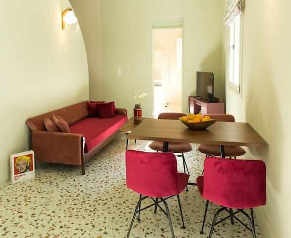 Truly Athenian apartment in Gazi -NO CLEANING FEES