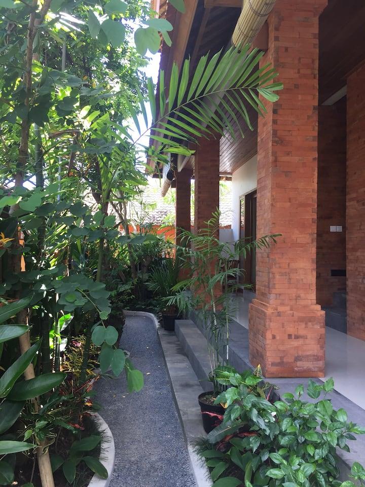 Mano House #2 Nyuh Kuning Ubud 4 Deluxe Bedrooms