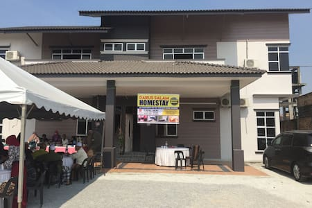 Newly built Guest House - House