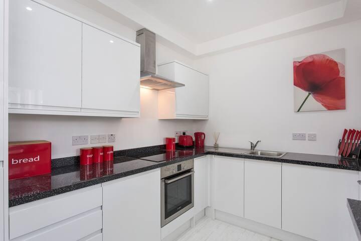 Modern One Bedroom Apartment in Kensington