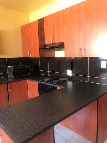 Private Room in Glenvista. Joburg South(The Glen). - Johannesburg South - Hus