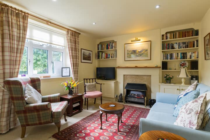 Cotswold country cottage for 3