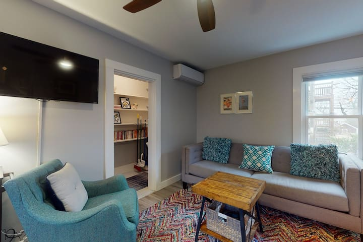 West end and central Provincetown apartment, walking distance to beach