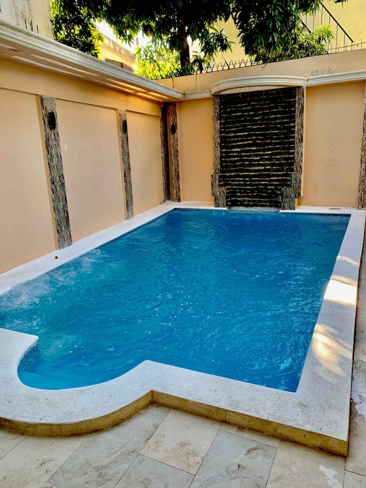 Spacious 4BR pool house with private parking