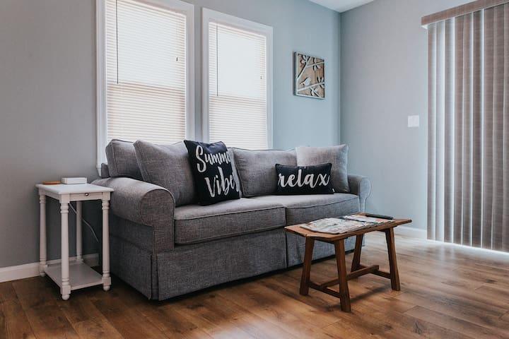 Upstairs Sitting Room with Sleeper Sofa