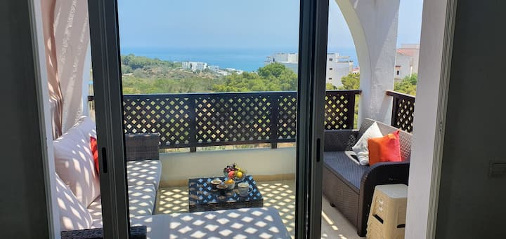 Cabo Negro, Beach Appart. sea, city & pool view!