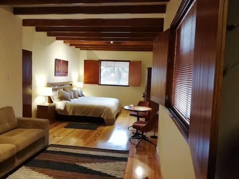 Elegant loft with jacuzzi