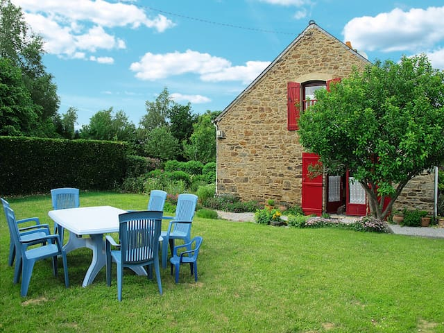 Holiday home in St. Meloir des Ondes