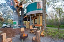 Treehouse on property also available