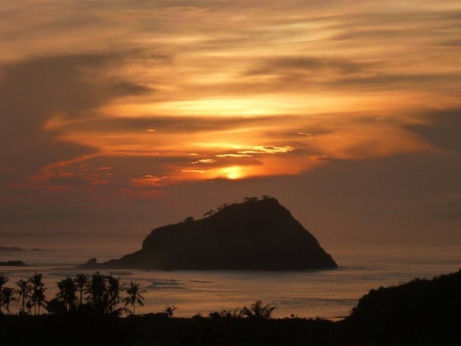 Stunning Sunrises over Gill Nusa