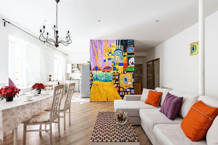 Art Apartment on Nevskiy Avenue