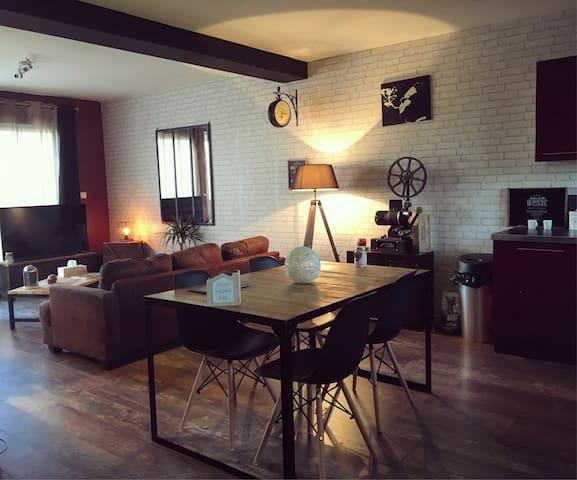"""La Maison """"Cinéloft"""" - Brignac - Talo"""