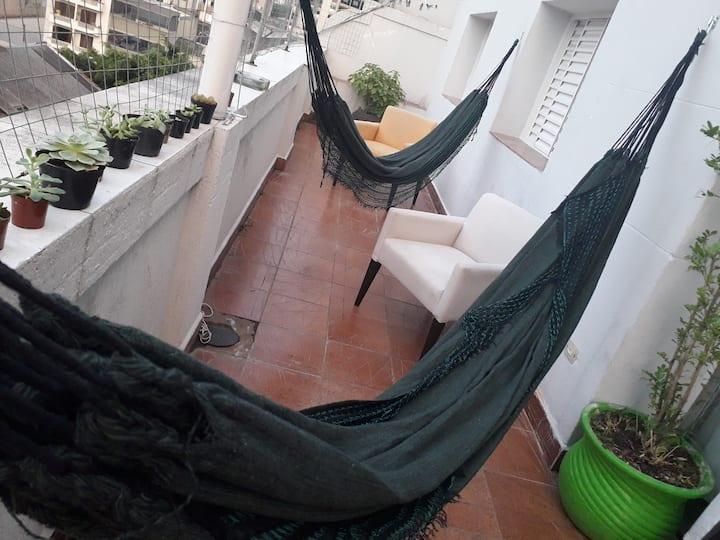 Suite Bella, Apto com terraço ao lado do metro SP