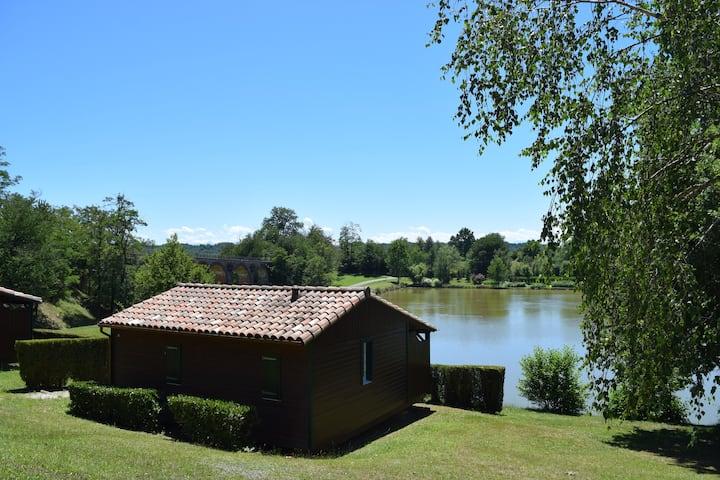 Chalet au Village Vacances Le Lac - Boulogne/Gesse