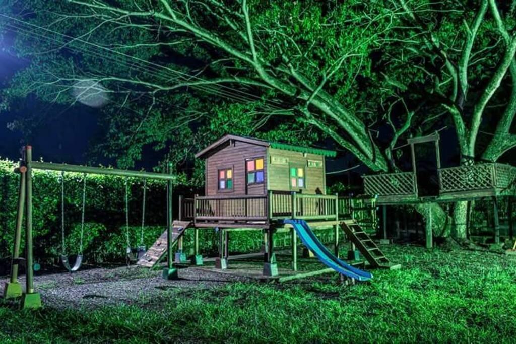 parque infantil casa de muñecas