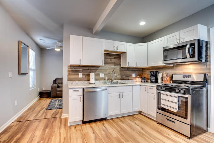 Downtown KC | Historic Columbus Park | Full Apt