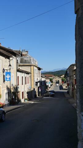 Résidence d'Artiste au Pied des Pyrenées.