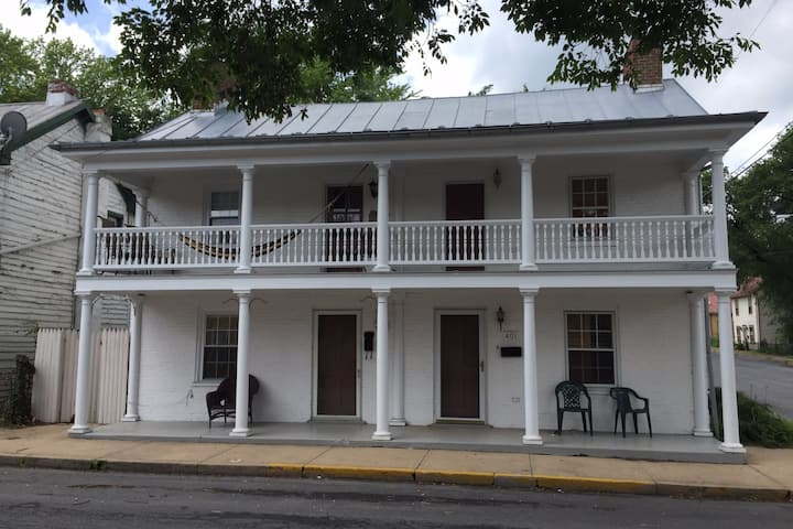 Private One Bedroom in Historic Colonial Home