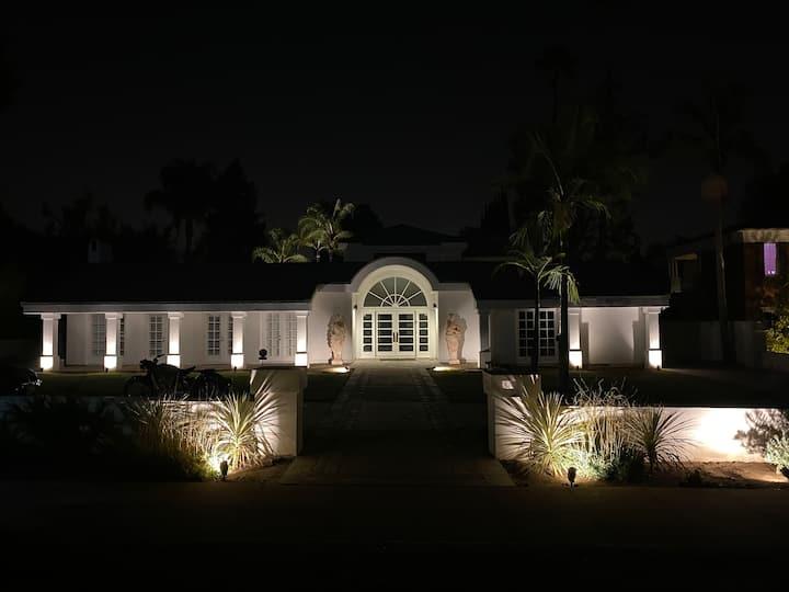Elegance tranquility light large lot+ pool, tennis
