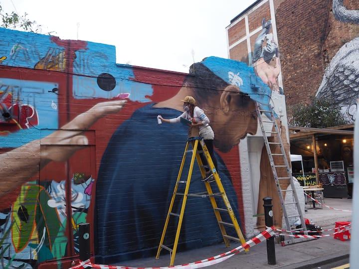 Street artists at work