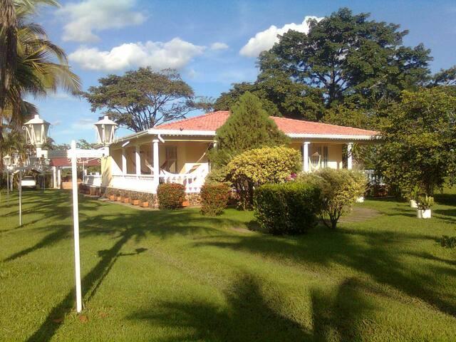 Casa campestre - Restrepo