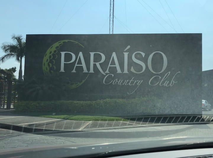 302.- Increíble departamento en Paraíso Country.