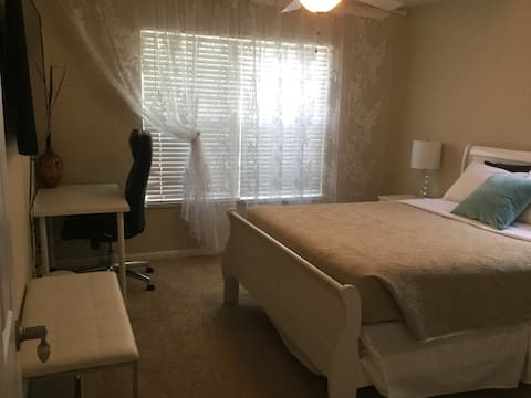 Private guest suite with separate entrance