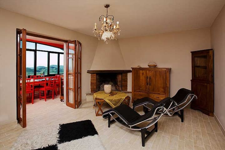 APPARTAMENTO IN COLLINA CON VISTA MARE - Fosdinovo - Appartement