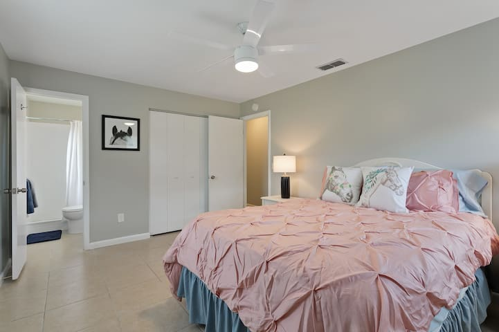 Queen master bedroom with attached bath