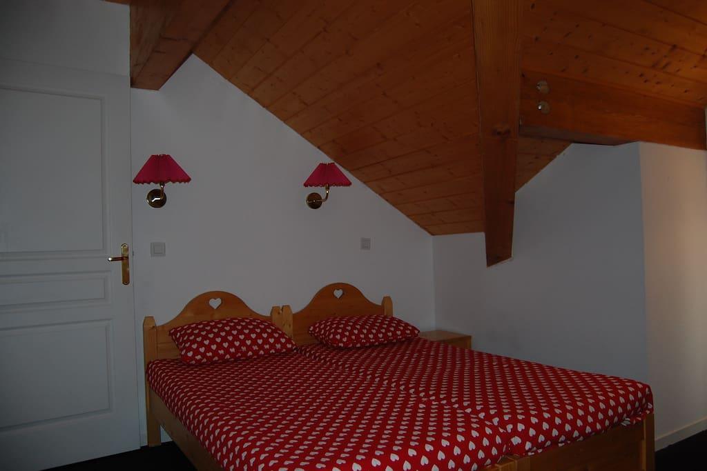chambre 2 au 1er étage avec terrasse