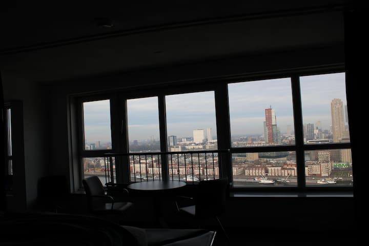 Design loft op 23e verdieping, geweldig uitzicht