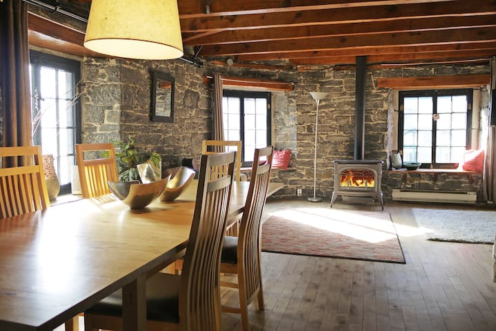 Historic Loft in Old Montreal