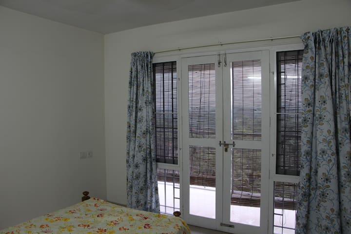 3 Bed Room Furnished Flat 7th floor with good view - Kochi - Lägenhet