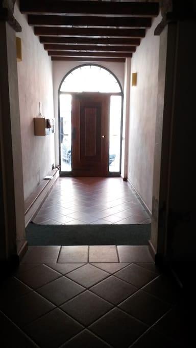 entrata nel palazzo main entrance