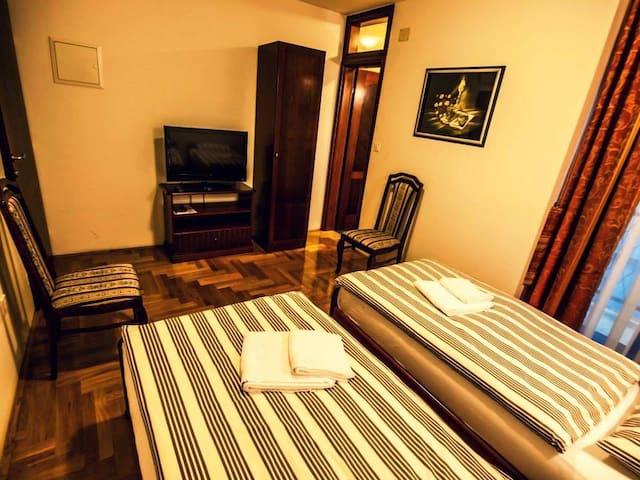 Modern, bathroom, cozy room, quiet - Zagreb - Villa
